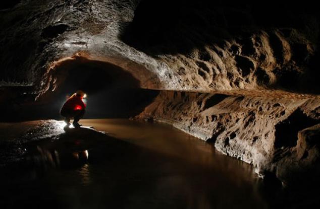A Szelek barlangja felfedezésekor a lyukból kiáramló erős szél tűnt fel a helyi juhászoknak, akik nagy melegben oda húzódtak hűsölni