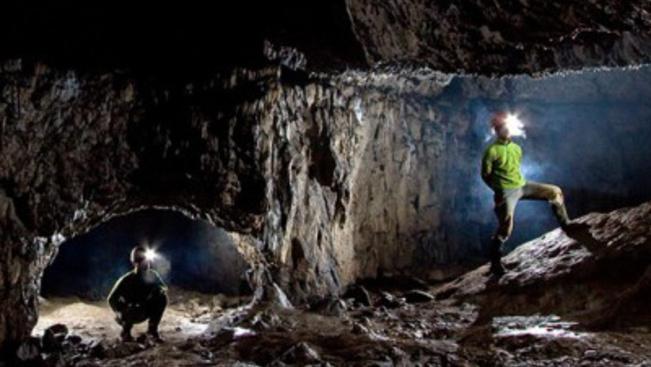 Túrázók előtt lezárt barlangok nyíltak meg a Királyerdő-hegységben