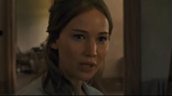 Jennifer Lawrence nem érti, miért jön vér a falból