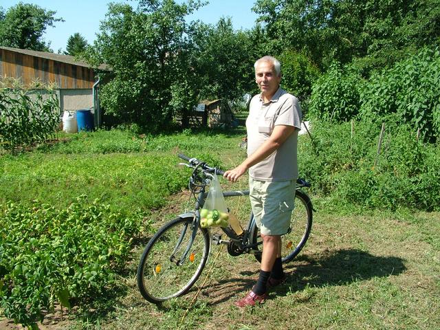 Dr. Dőry István vonattal és biciklivel közlekedik