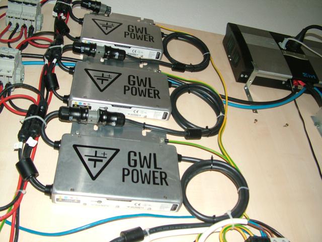 A napenergiát akkumulátorok és inverter kezeli