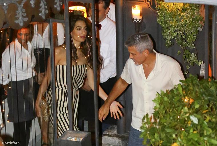 De akkor valószínűleg nem olyan jó Amal és George Clooney-nak lenni, amikor csak egy nyugodt vacsorára vágynak egy olasz étteremben, és evés közben, meg az ajtón kilépve folyamatosan fotózzák őket.Ez amúgy a Gatto Nero étterem