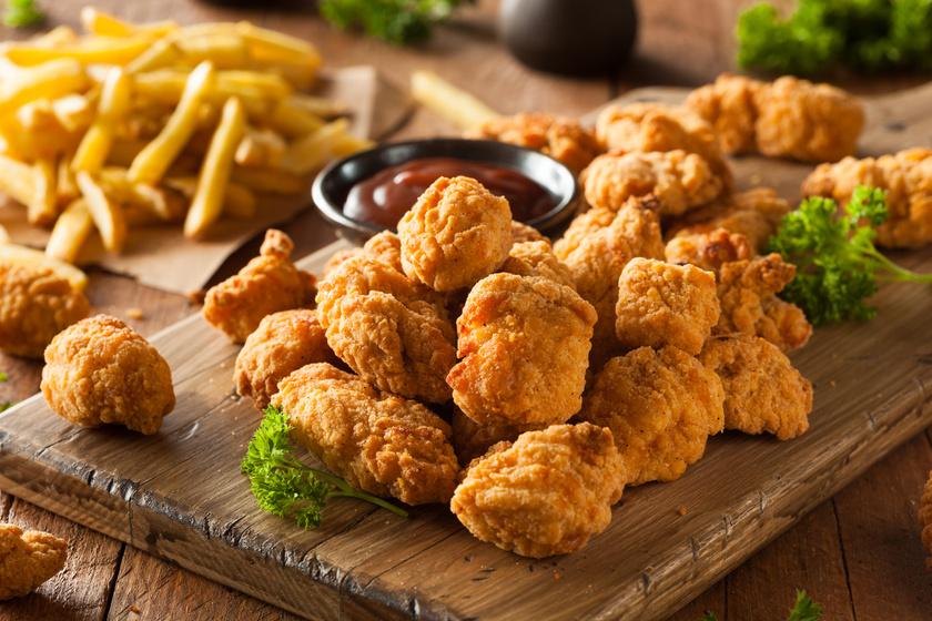 Ropogósra sült, bundázott csirkefalatok - Így készítsd legközelebb a rántott húst