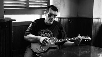 Koncert közben halt meg egy fiatal bluesénekes