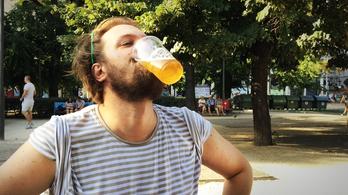 Kipróbáltuk, milyen 3 liter sör tüskével a legnagyobb hőségben, hogy önnek már ne kelljen