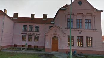 Százmilliókkal rövidíthette meg a tanárokat a Szeged-Csanádi egyházmegye