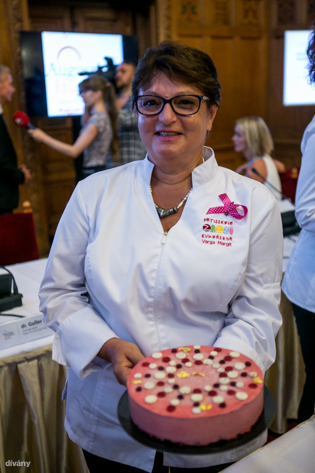 Ez pedig a budapesti Zazzi cukormentes Pöttyös Pannija.