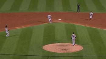 Hány baseballjátékos kell egy labda elkapásához?