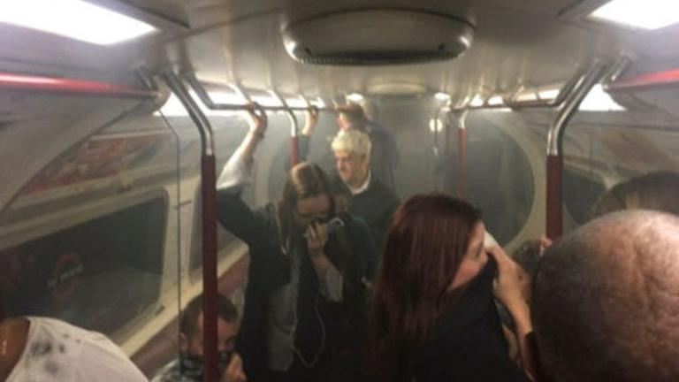 Tűz ütött ki egy londoni metróállomáson