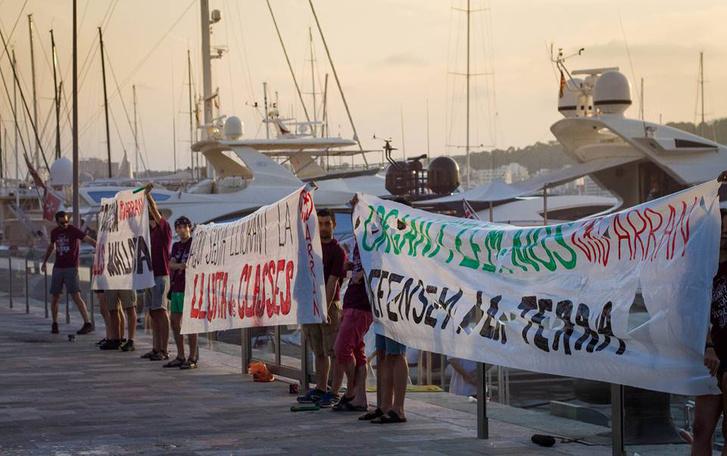 Az Arran turizmusellenes demonstrációja Mallorca szigetén