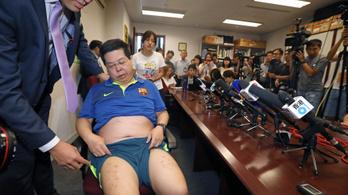 Kínaiak egy Messi-kép miatt raboltak el és kínoztak meg tűzőgéppel egy politikust