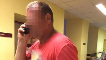 Terhes nőket fogdos egy férfi Fehérváron