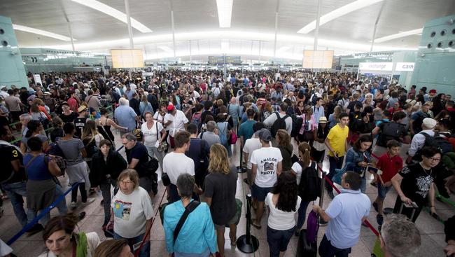 Hétfőtől folyamatos sztrájk lehet a barcelonai reptéren
