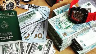 A gazdag tunéziai tinik úgy veszik a drága órákat, mint a cukrot