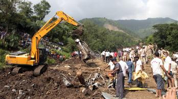 Csak Indiában 800 ember halt meg a monszun miatt