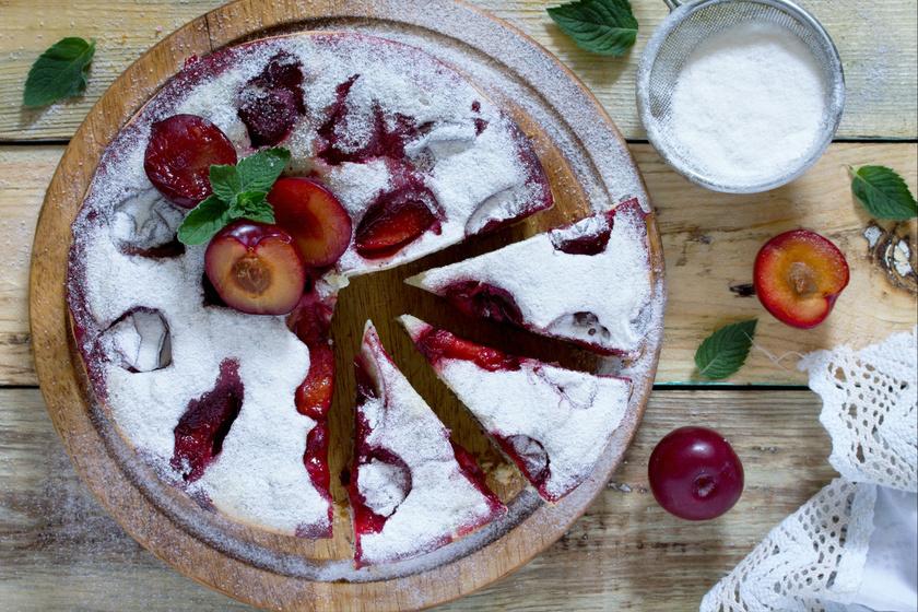 Villámgyors szilvás bögrés süti friss gyümölcsből - Csak keverj össze mindent