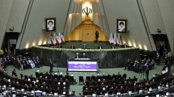 Irán a nuklerális szerződés felbontásával fenyegetőzik