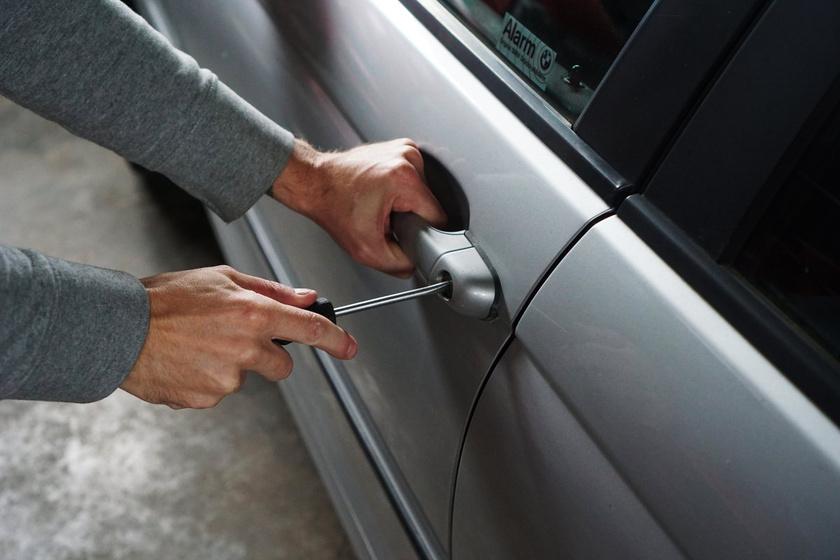 Az autódra pályáznak a tolvajok: 5 tanács a rendőrségtől, amivel kivédheted a lopást