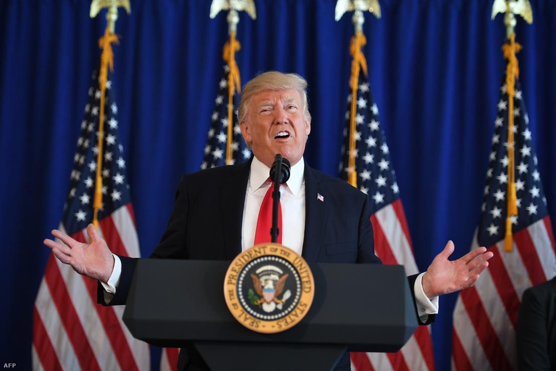 Donald Trump a Charleottesville-i események után tartott sajtótájékoztatón 2017 augusztus 12-én.