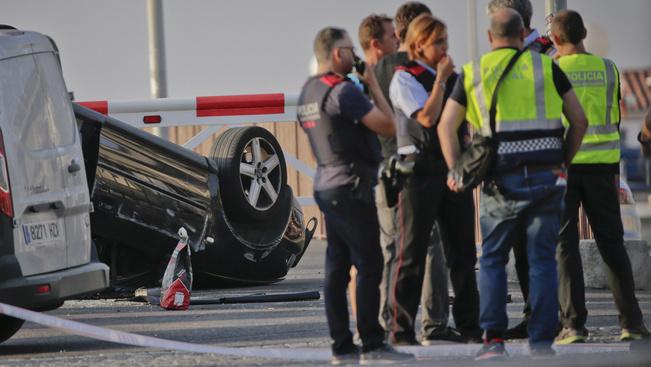 A barcelonai gázolás után egy katalán nyaralóhelyen is lecsaptak a terroristák