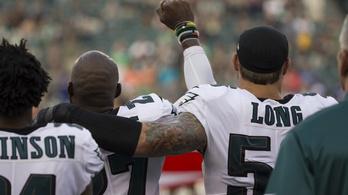 Fehér és fekete NFL-es tüntetett együtt a megkülönböztetés ellen