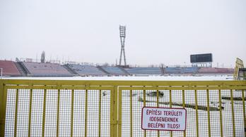 Súlyos statikai problémák miatt fél évet csúszik a Vidi-stadion átadása