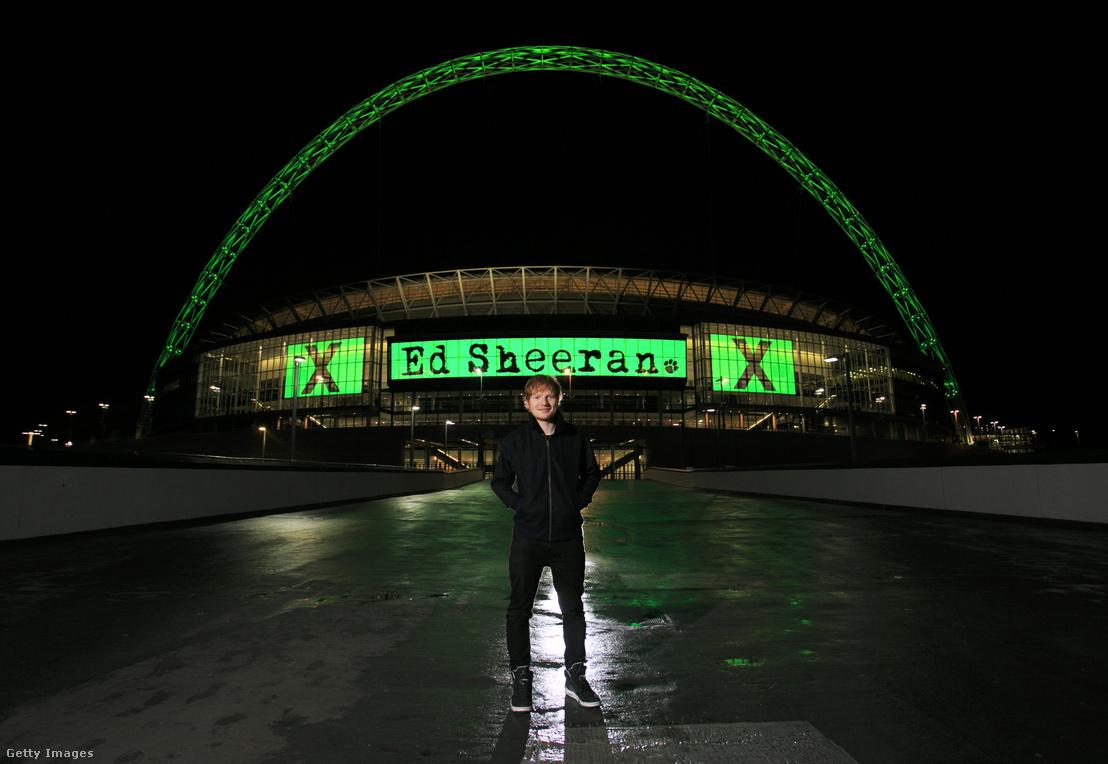 Ed Sheeran a londoni Wembley-ben tartott koncertje előtt 2015-ben