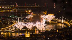Így készíts használható fotókat a tűzijátékról a mobiloddal