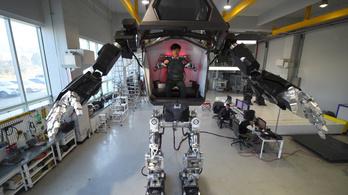 Elkészült a félelmetes koreai órásrobot