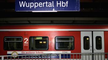 Késeltek a németországi Wuppertalban, egy ember meghalt