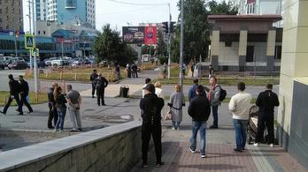 Oroszországban is késeltek, a támadót lelőtték