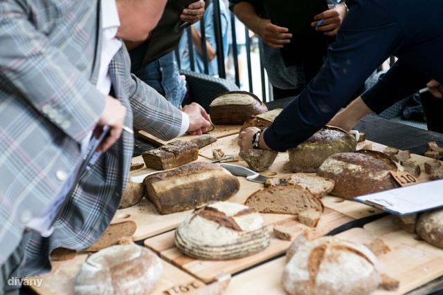 A kovásszal készült kenyér az igazi kenyér.