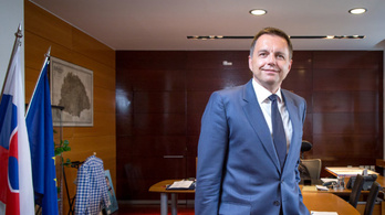 Nagy-Magyarország a szlovák pénzügyminiszter irodájában