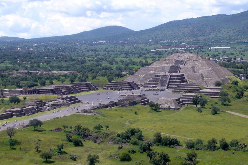Sokan úgy hiszik, piramisok csak Egyiptomban vannak, ám világszerte előforduló építmények ezek, köztük is az Újvilág második legnagyobbja Teotihuacanban található. Kérdés, hogy hová lett az azt körülvevő civilizáció.