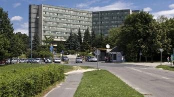 Öt éve be kellett volna zárni az ajkai kórház osztályát