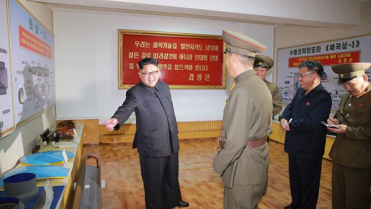 Soha nem látott rakétákat fedeztek fel észak-koreai propagandafotókon