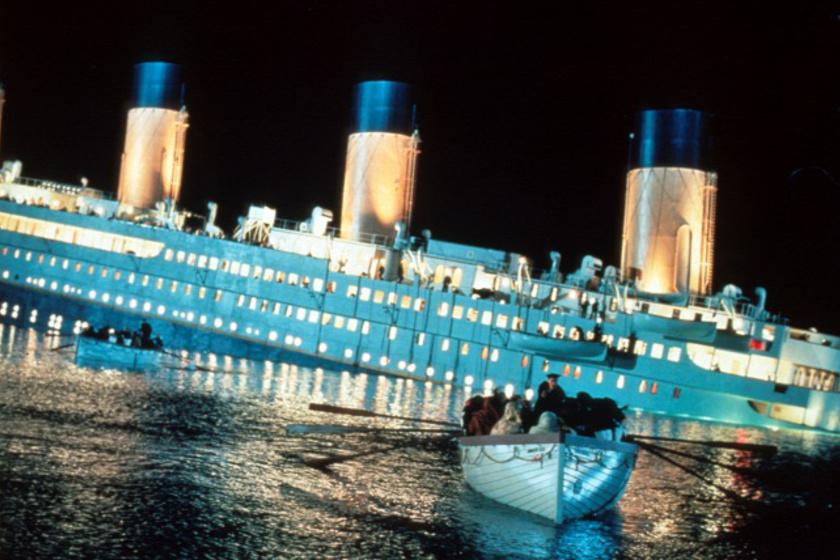 Jobb lett volna, ha a Titanic frontálisan ütközik a jégheggyel?