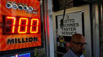 Elvitték minden idők második legnagyobb amerikai lottónyereményét