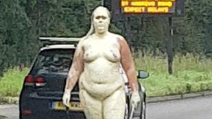 Aranyra festett, meztelen asszony hozott frászt az autósokra