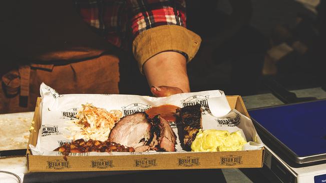 Street food kavalkád a Kincsem Parkban - idén már félszáz kiállítóval