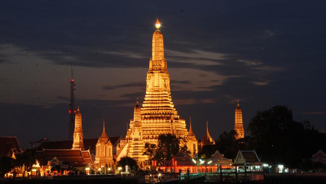 Újra régi fényében pompázik Bangkok híres pagodája