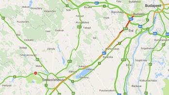 Óriásdugó az M7-esen Balaton irányában