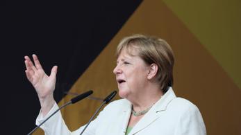 Merkel: Magyarországon megtévesztették a menekülteket