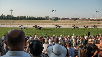 Kocsmai lóversennyel állna lábra a Lovi