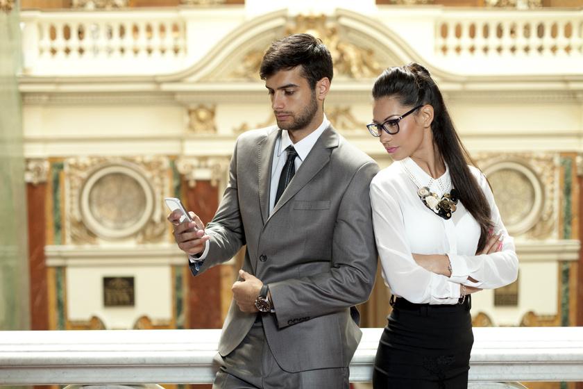 4 intő jel arra, hogy a férfinak felesége van: vedd észre, mielőtt beleszeretsz