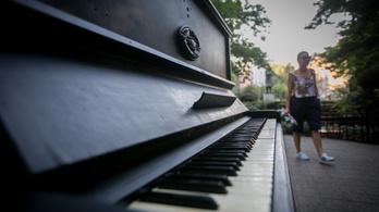 Elkészült a világ leghosszabb zongorája
