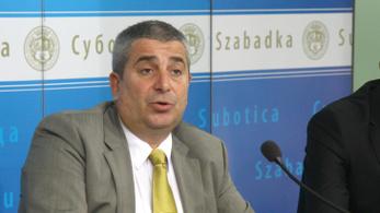 Szabadka polgármestere ellenfele ledarálásával fenyegetőzött