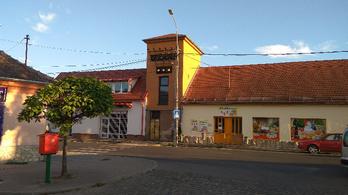 20 m²-es telken álló házat árulnak Pomázon