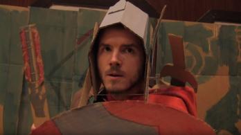 A Thor 3 papírkardos, plüss macis magyar előzetese jobb, mint az eredeti