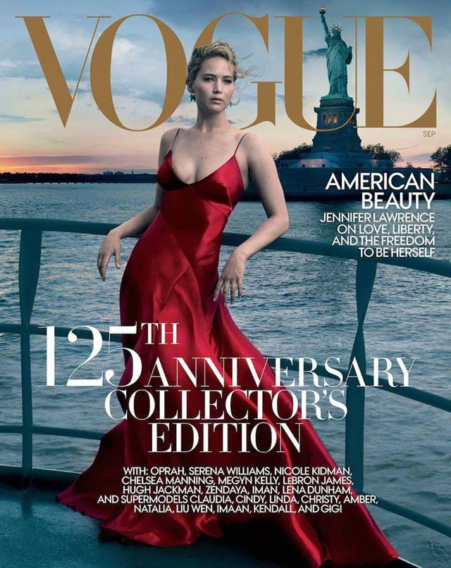 Jennifer Lawrence és a Szabadság-szobor látható a Vogue 125.évfordulóját ünneplő kiadáson. A címlapot Annie Leibovitz készítette.